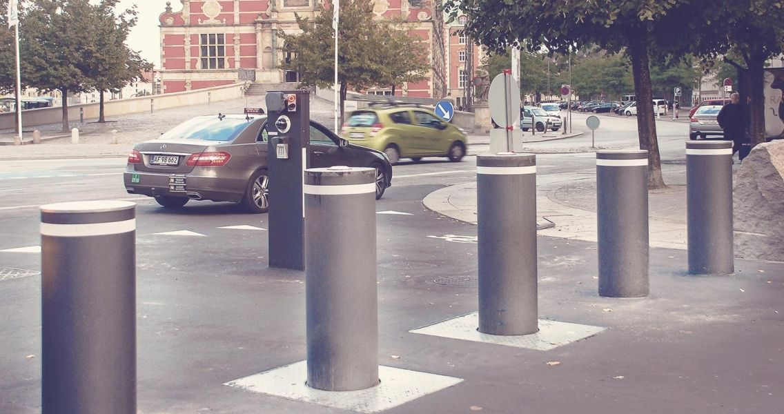 crash bollards movable-and-fixed-bollards-for-efficient-pedestrian-protection-and-traffic-control-if-required-1-1136x600