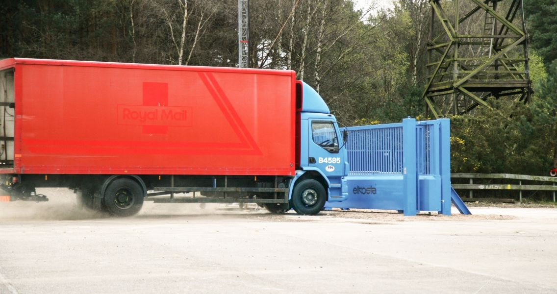 Tracked gate M50 robust-construction-with-heavy-gauge-material-andfor-reliable-operation-and-protection-1136x600