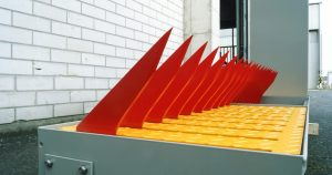 Tyre killers visually-strong-deterrent-thanks-to-solid-sharp-spikes-and-garish-warning-colours-1136x600