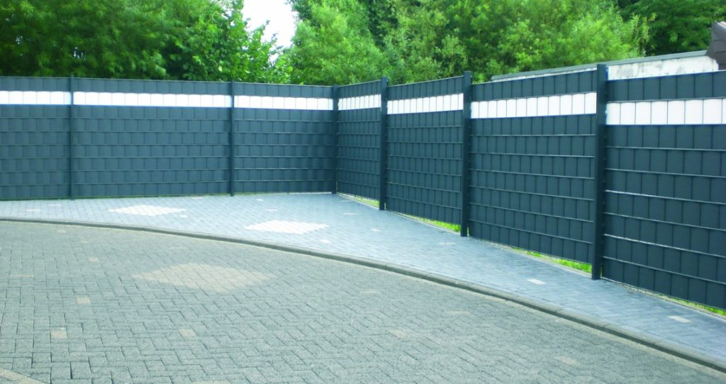 More-privacy-in-outdoor-areas-with-RELAX-visual-protection-stripes-1136x600