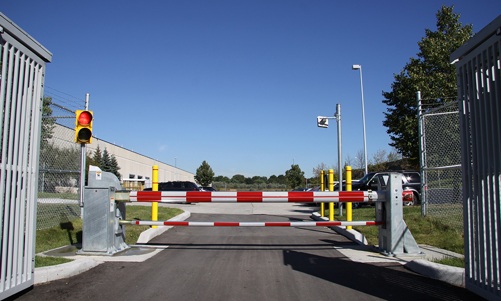 StrongArm crash barrier 1000x600 4